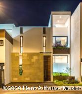 Casa En Ventaen El Marques, Zibata, Mexico, MX RAH: 20-2814