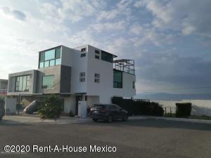 Casa En Rentaen El Marques, Zibata, Mexico, MX RAH: 20-2843