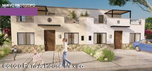 Casa En Ventaen El Marques, Zibata, Mexico, MX RAH: 20-2848