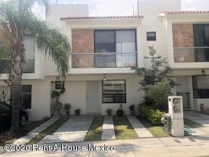 Casa En Rentaen Queretaro, El Mirador, Mexico, MX RAH: 20-2892