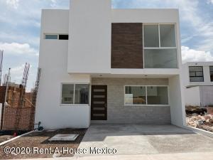 Casa En Ventaen Queretaro, El Mirador, Mexico, MX RAH: 20-2968