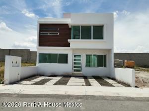 Casa En Ventaen Queretaro, El Mirador, Mexico, MX RAH: 20-2987