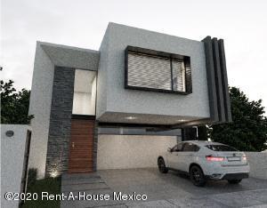 Casa En Ventaen El Marques, Zibata, Mexico, MX RAH: 20-3027