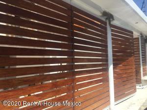 Casa En Ventaen Naucalpan De Juarez, Lomas Verdes Primera Seccion, Mexico, MX RAH: 20-3030