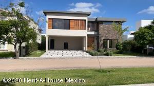 Casa En Rentaen Queretaro, El Campanario, Mexico, MX RAH: 20-3038