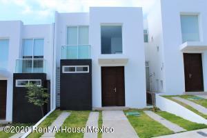 Casa En Rentaen El Marques, Zibata, Mexico, MX RAH: 20-3039