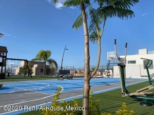Terreno En Rentaen Corregidora, Vista Real, Mexico, MX RAH: 20-3101
