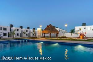 Casa En Ventaen Kanasin, Residencial Las Palmas, Mexico, MX RAH: 20-3108