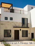 Casa En Ventaen Queretaro, Jurica, Mexico, MX RAH: 20-3136