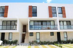 Departamento En Rentaen Queretaro, Altos De Juriquilla, Mexico, MX RAH: 20-2940