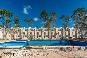 Casa En Ventaen Playa Del Carmen, The Fives, Mexico, MX RAH: 20-2398