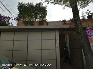 Casa En Ventaen Naucalpan De Juarez, Ciudad Satelite, Mexico, MX RAH: 20-3193