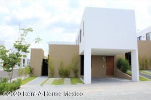 Casa En Rentaen El Marques, Zibata, Mexico, MX RAH: 20-3189