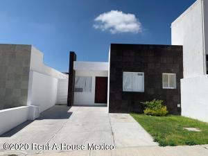 Casa En Ventaen Queretaro, Cumbres Del Lago, Mexico, MX RAH: 20-3198