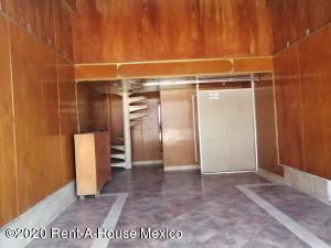 Local Comercial En Ventaen Iztapalapa, San Lorenzo Tezonco, Mexico, MX RAH: 20-3213