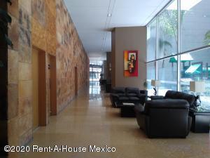 Departamento En Rentaen Miguel Hidalgo, Anahuac, Mexico, MX RAH: 20-3228