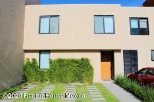 Casa En Rentaen Queretaro, El Refugio, Mexico, MX RAH: 20-3231