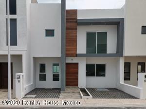 Casa En Ventaen Queretaro, El Mirador, Mexico, MX RAH: 20-3265