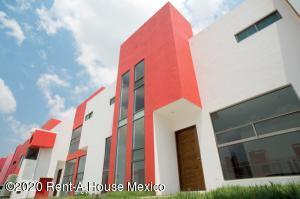 Casa En Ventaen Pachuca De Soto, Arboledas De San Javier, Mexico, MX RAH: 20-3276