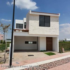 Casa En Rentaen El Marques, Ciudad Maderas, Mexico, MX RAH: 20-3329