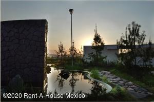 Terreno En Ventaen Pachuca De Soto, La Concepcion, Mexico, MX RAH: 20-3382