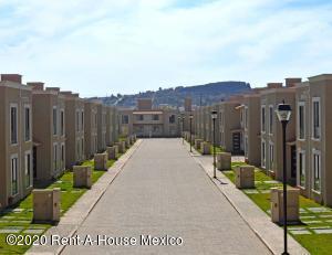 Casa En Ventaen Pachuca De Soto, Blvd Ramon G Bonfil, Mexico, MX RAH: 20-3465
