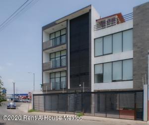 Edificio En Rentaen Corregidora, El Pueblito, Mexico, MX RAH: 20-3482