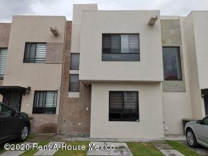 Casa En Ventaen El Marques, Rincones Del Marques, Mexico, MX RAH: 20-3524