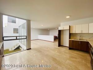 Casa En Ventaen Pachuca De Soto, Zona Plateada, Mexico, MX RAH: 20-3527
