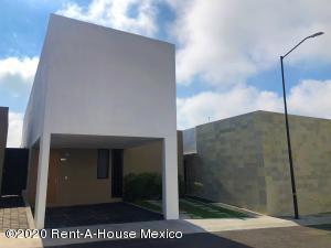 Casa En Rentaen El Marques, Zibata, Mexico, MX RAH: 20-3612