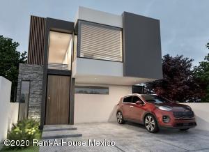 Casa En Ventaen El Marques, Zibata, Mexico, MX RAH: 20-3640