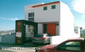 Casa En Ventaen Queretaro, El Mirador, Mexico, MX RAH: 20-3646