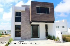 Casa En Rentaen Queretaro, El Mirador, Mexico, MX RAH: 20-3653