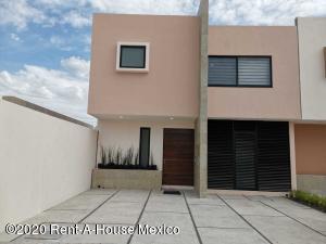 Casa En Ventaen El Marques, Lomas Del Marques, Mexico, MX RAH: 20-3705