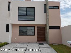 Casa En Ventaen El Marques, Lomas Del Marques, Mexico, MX RAH: 20-3707