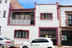 Casa En Ventaen Queretaro, Centro, Mexico, MX RAH: 20-3714