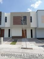 Casa En Rentaen El Marques, Zakia, Mexico, MX RAH: 20-3740