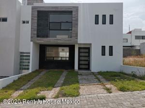 Casa En Ventaen Queretaro, El Mirador, Mexico, MX RAH: 20-3752