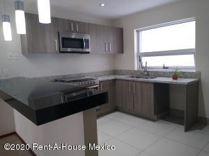 Departamento En Rentaen Alvaro Obregón, Paseo De Las Lomas, Mexico, MX RAH: 20-3764