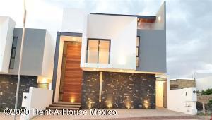 Casa En Rentaen Queretaro, Lomas De Juriquilla, Mexico, MX RAH: 20-3767