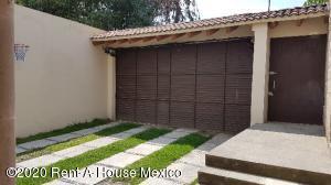 Casa En Rentaen Huixquilucan, La Herradura, Mexico, MX RAH: 20-3768