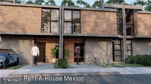 Casa En Ventaen El Marques, Zibata, Mexico, MX RAH: 20-3821