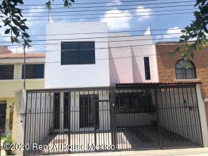 Casa En Ventaen Corregidora, El Pueblito, Mexico, MX RAH: 21-19
