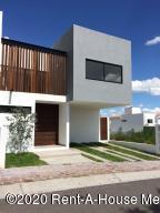 Casa En Ventaen Queretaro, El Refugio, Mexico, MX RAH: 21-46