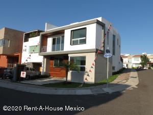 Casa En Ventaen Queretaro, El Refugio, Mexico, MX RAH: 21-118