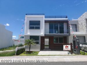 Casa En Ventaen Queretaro, El Refugio, Mexico, MX RAH: 21-120