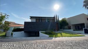 Casa En Ventaen Queretaro, El Campanario, Mexico, MX RAH: 21-139