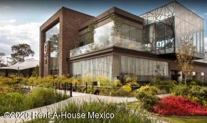 Departamento En Rentaen Alvaro Obregón, Paseo De Las Lomas, Mexico, MX RAH: 21-202