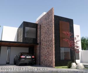 Casa En Ventaen El Marques, Zibata, Mexico, MX RAH: 21-216