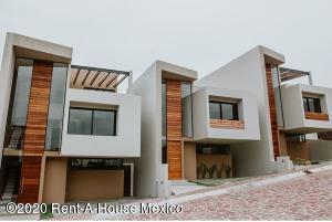 Casa En Ventaen El Marques, Zibata, Mexico, MX RAH: 21-220